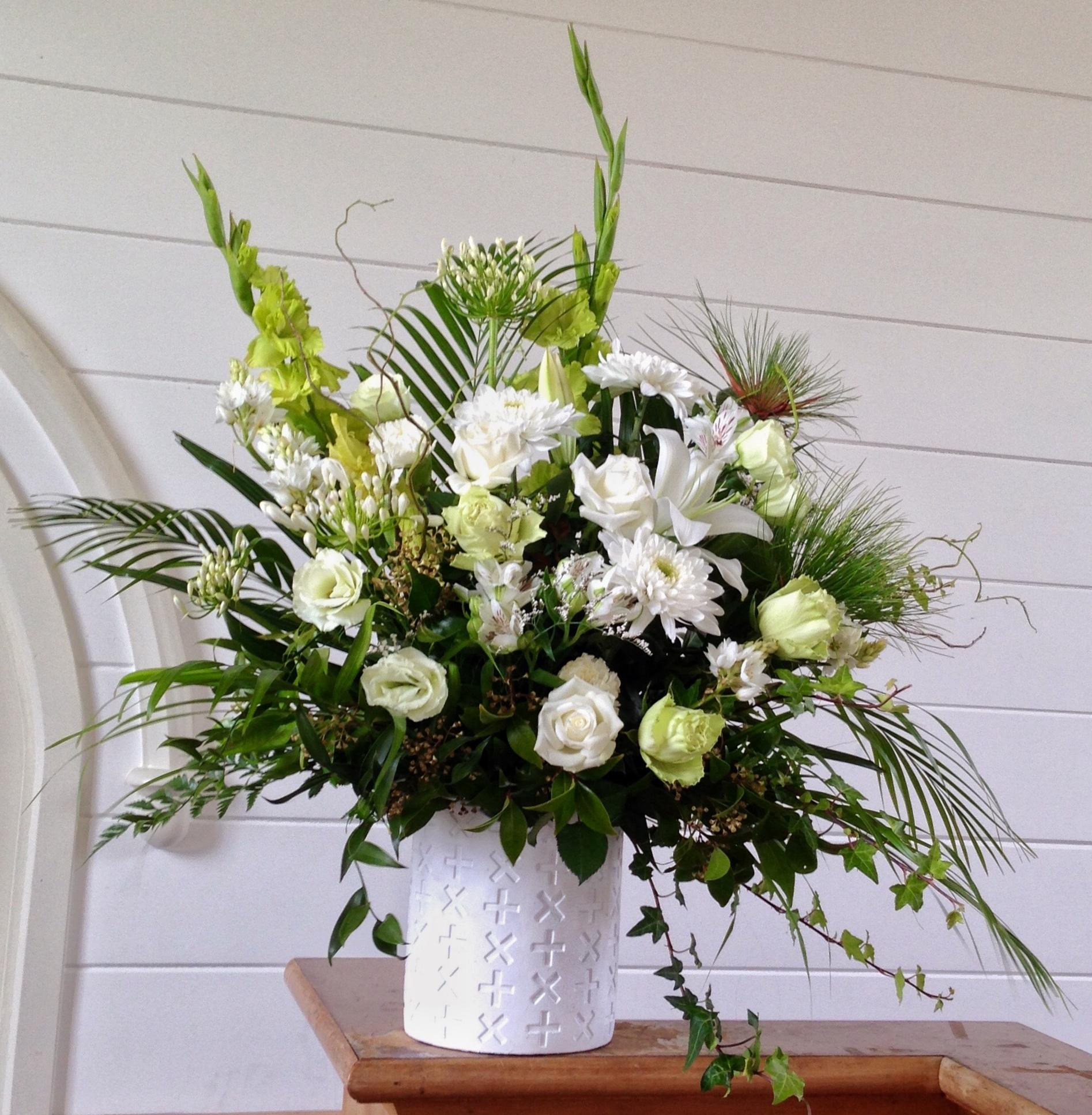 Unforgettable flower talk condolence flowers supplier in new zealand izmirmasajfo